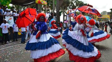 Alegría, pasión y meses de esfuerzo se encumbran en Desfile Nacional de Carnaval 2013 en el malecon de Santo Domingo. Fotos: Carmen Suárez/acento.com.do Fecha: 03/03/2013