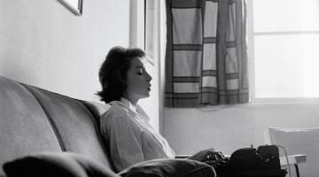 S11 ARQUIVO 19-11-2009 CADERNO2  Escritora Clarice Lispector, 1961  FOTO  Claudia Andujar/DIVULGACAO