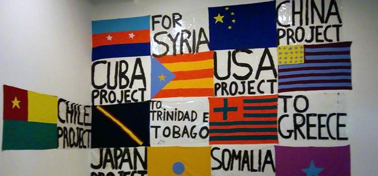 bienal banderas 750